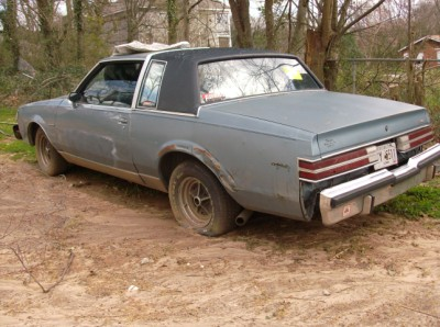 "1st class buys junk cars and trucks for the most money - all over Atlanta - Everyday!"" />"